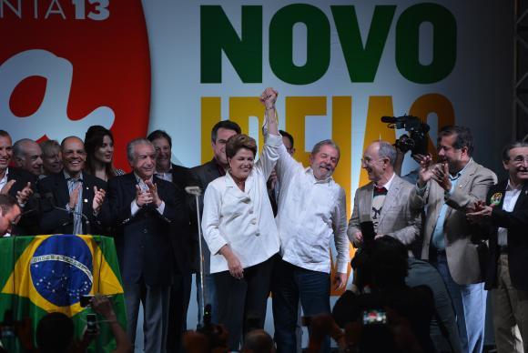 934283-dilma_pt_reeleição