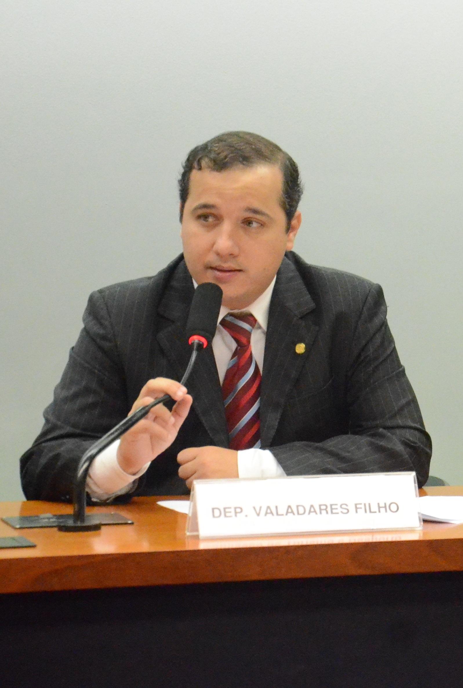 Presidindo Comissão 1